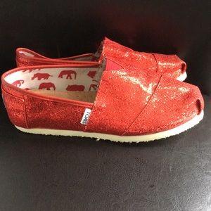 ae40ce521ee3 Women Red Glitter Toms on Poshmark